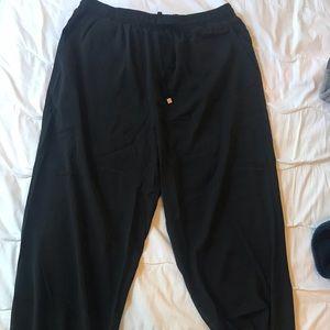 Kittenish black cargo pants